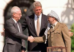 Left to right: Yitzhak Rabin, Bill Clinton and Yasser Arafat at the signing of the 1993 Oslo Accord