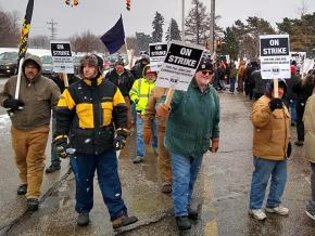 Locomotive workers strike against an attack on their union in Erie, Pennsylvania